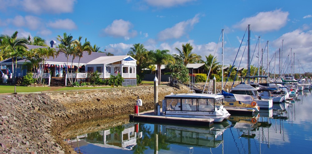 TIN CAN BAY MARINA BAR & GRILL