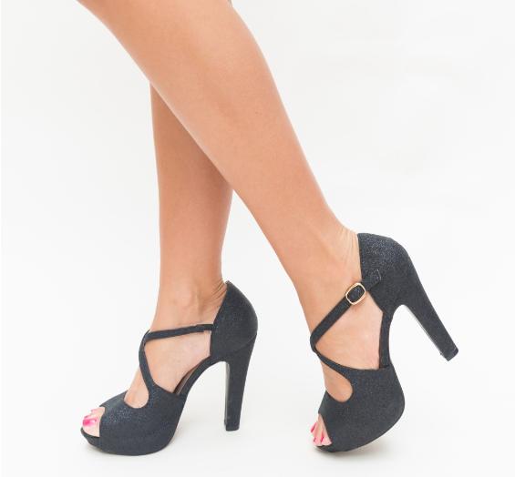 Sandale cu toc inalt subtire de ocazii negre lucioase ieftine