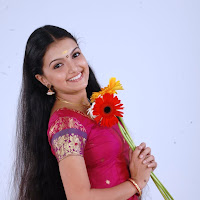 Cute saranya mohan latest pix