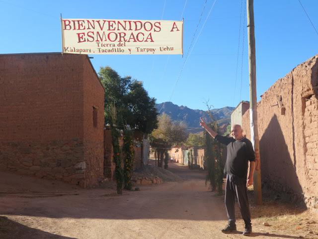 Zu den Feiertagen kommen immer sehr viele Besucher nach Esmoraca, ehemalige Einwohner Esmoracas aus ganz Bolivien, Chile und Argentinien. Ihr seid natürlich auch herzlich willkommen.