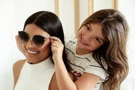 Ferrovia Eyewear está com modelos incríveis e super promoção para o Dia das  Mães 092720b2e9