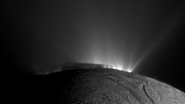 Novas evidências de vida em lua de Saturno