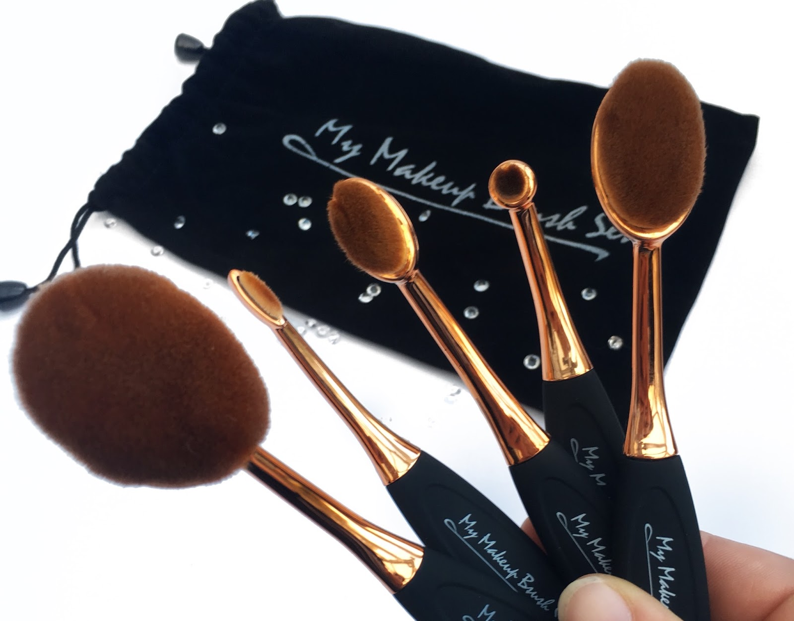 Check out these awesome brushes from www.mymakeupbrushset.com enter code SAVEWITHLOVELIBBYXX at checkout --- and receive 10% off your entire purchase!*