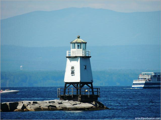 Faro Burlington Breakwater North Lighthouse