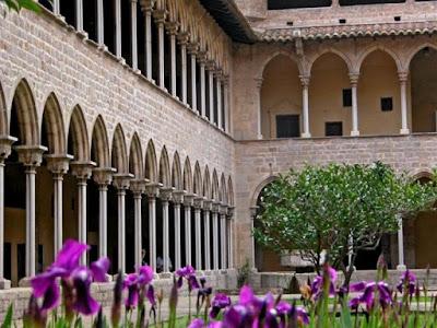 claustro-monasterio-de-pedralbes-barcelona Monestir de Pedralbes