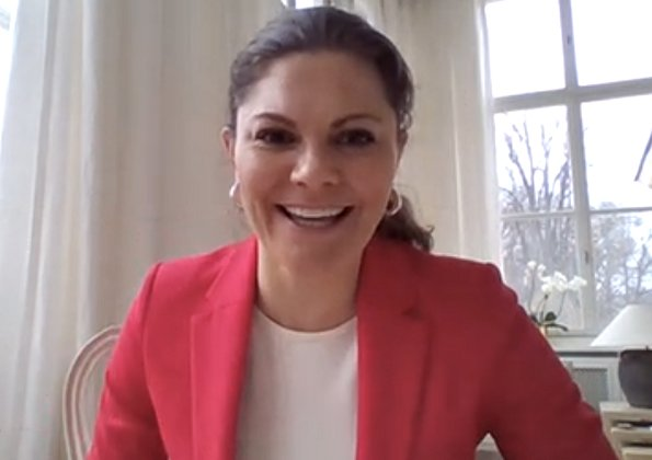 The meeting was about Paralympic Games in Tokyo. Crown Princess wore a red blazer by Lexington Company