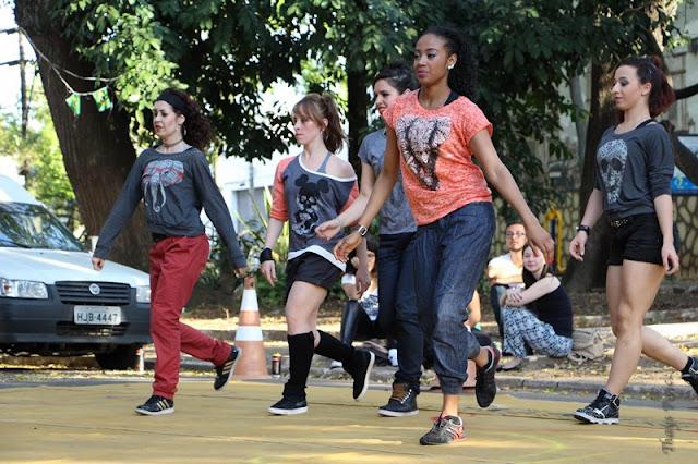 Danças urbanas, oficinas, tênis de mesa  e show musical agitam a semana no Sesc em Registro-SP