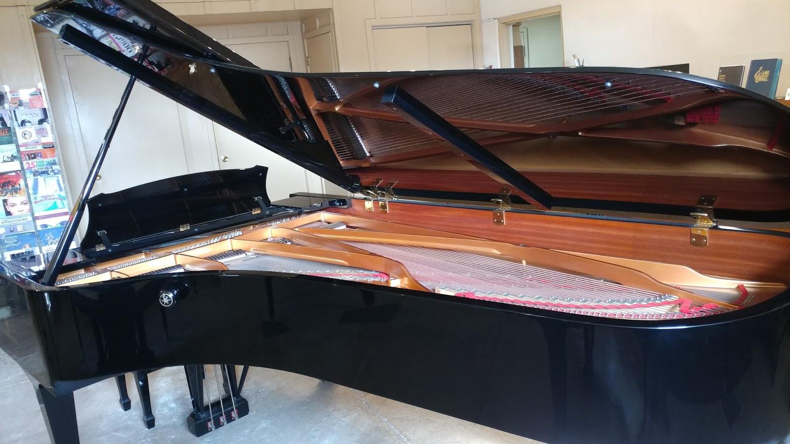 Yamaha  Foot Grand Piano