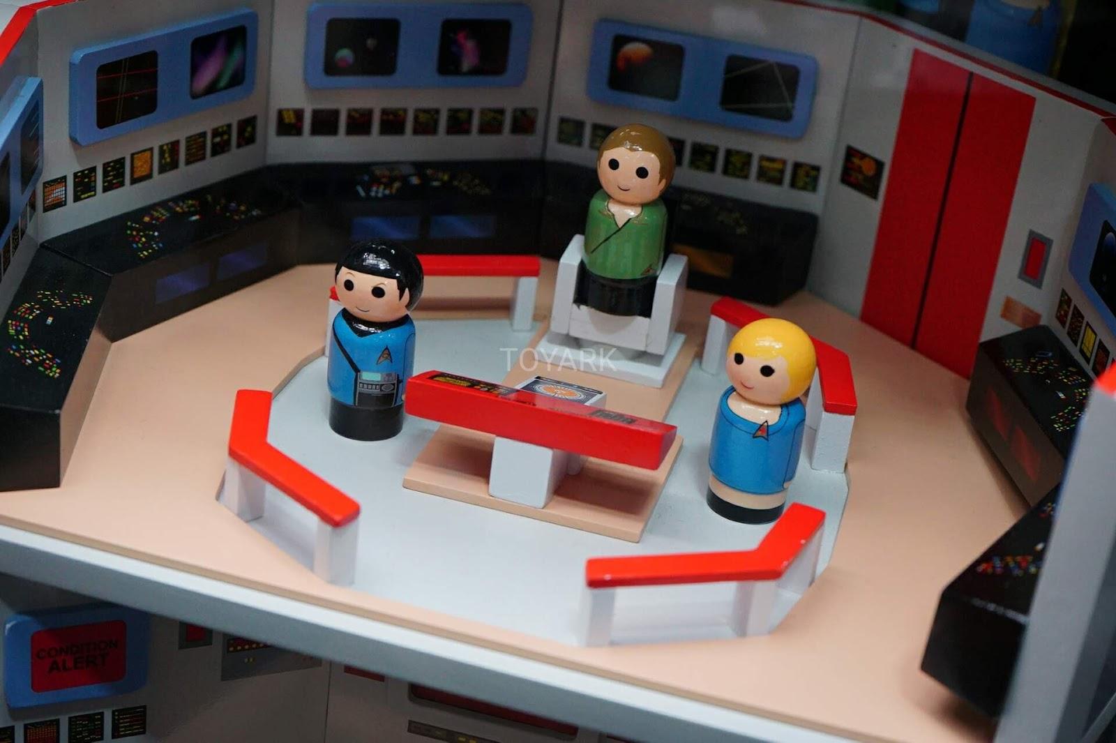 The Trek Collective Super Cute Pin Mates Bridge Playset