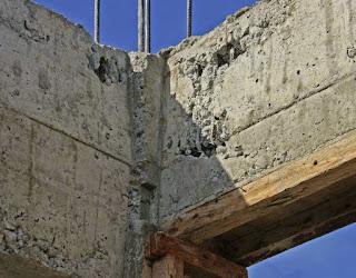 Honeycombing concrete