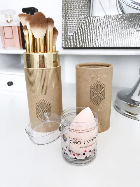 Mój makijażowy niezbędnik Zoeva Bamboo Luxury Set Vol. 2 i gąbka do makijażu gąbeczka beautyblender Beauty Blender porządny wegański zestaw pędzli zoeva bambuski make up akcesoria do makijaż syntetyczne włosie naturalne wykończenie podkład złote pędzle tuba kosmetyczka pracyzyjny Makeup Sephora