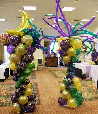 Mardi Gras event decoration with balloons