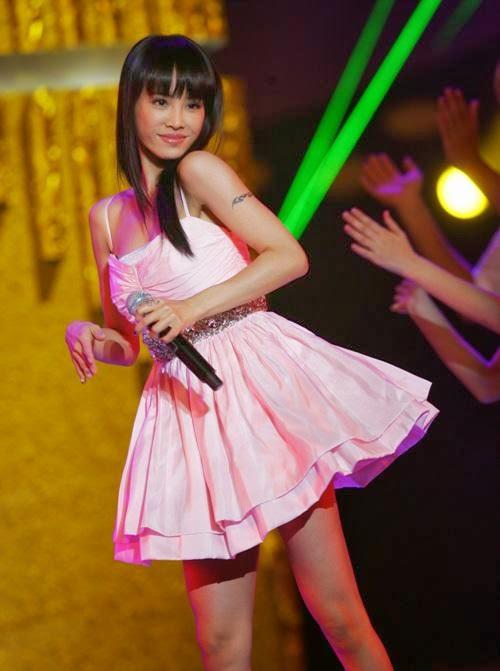 Taiwanese singer Jolin Tsai has been in the singing