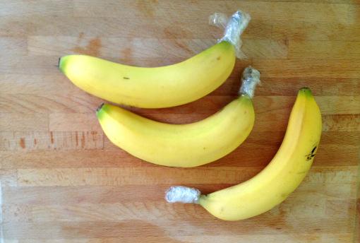 ujung pisang yang ditutup plastik bisa membuat awet