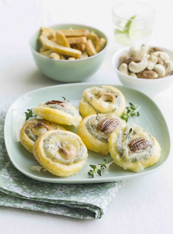 Tartelettes Fines Au Chèvre Noix De Pécan & Cajou