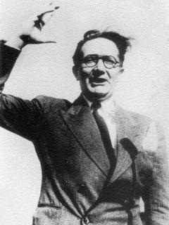 """Castelao en la URSS, 1938: """"En ningún otro país del mundo se ofrece mejor porvenir a los trabajadores"""" - carta de Castelao a bordo del buque el buque """"Coopertzia"""", a 27 de mayo de 1938  Retrato-de-castelao"""