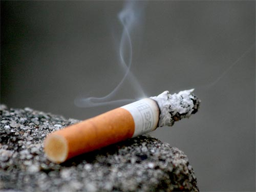 للتدخين اضرار كثير ؟ماهي ومما يتكون هذا الدخان ؟ تعرف على الاجابة .