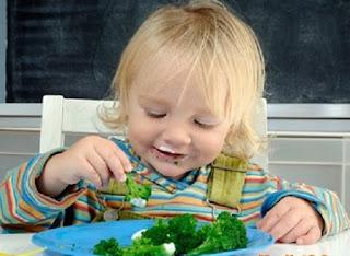 Những tác dụng của rau xanh đối với trẻ em