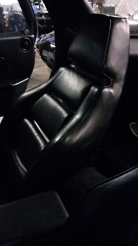 Leather or skai handmade porsche interieur kleuren for Interieur kleuren 2015