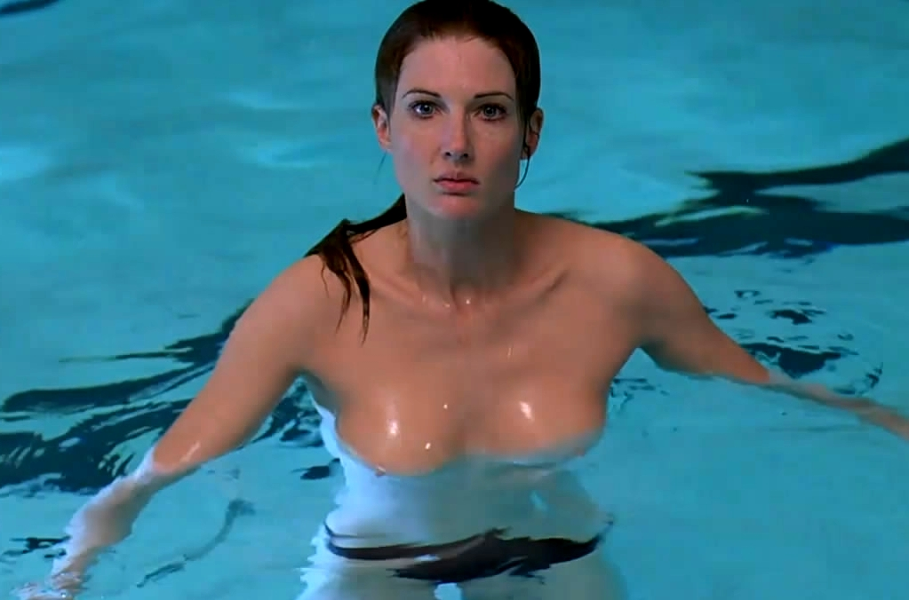 smallville lois lane naked