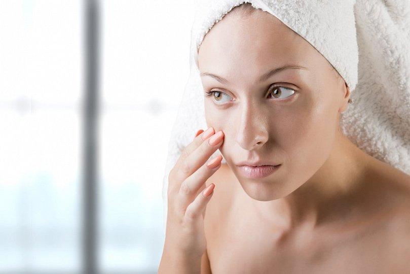 Кожа лица и вред от гигиены и косметики