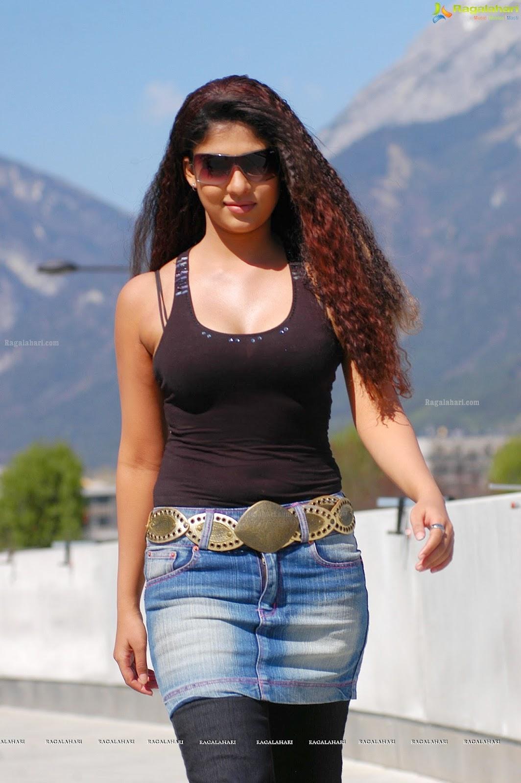 Nayanthara Hot In Black Bra Hd Images - Glamex-2503