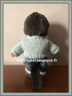 Pull poche kangourou fait main pour Kiki ou Monchhichi, handmade, tricot, knitting, vêtement poupée