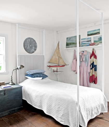 cottage guest room