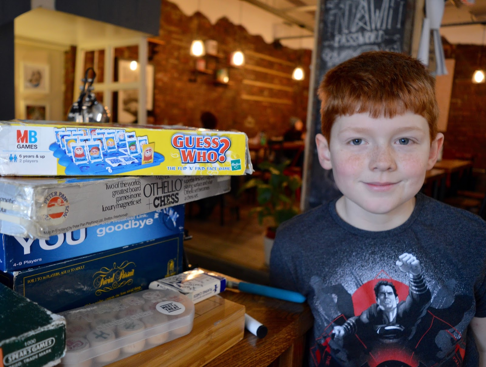 Meet and Treat Newcastle Cafe | A Perfect Spot for Pre-Theatre Drinks & Cakes with Kids for Tyne Theatre and Opera House - free board games, books and crafts