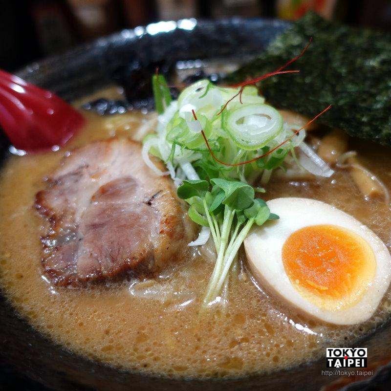 【Toraya食堂】第4代經營的70年拉麵老店 略焦的味噌湯底香氣十足