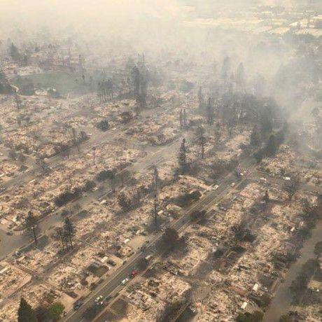 Dấu hiệu thời cuối: Cháy rừng California: Cảnh tượng như sau vụ thả bom nguyên tử