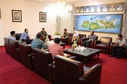 Gubernur, DR Zul Himbau Masyrakat Gunakan Medsos Dengan Bijak