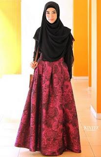 Contoh Long Dress Brokat Muslim Desain Mewah Dan Elegan