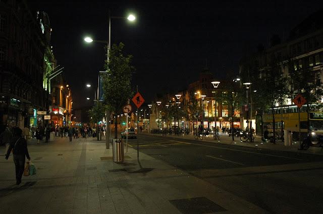 Passeio pela Rua O'Connell a noite, Dublin