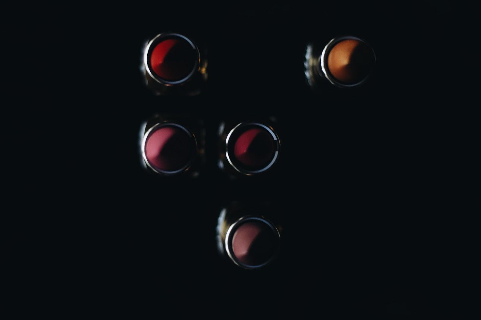 L'Oréal Gold Obsession lipstick collection · L'Oréal Gold Obsession lūpukrāsu kolekcija