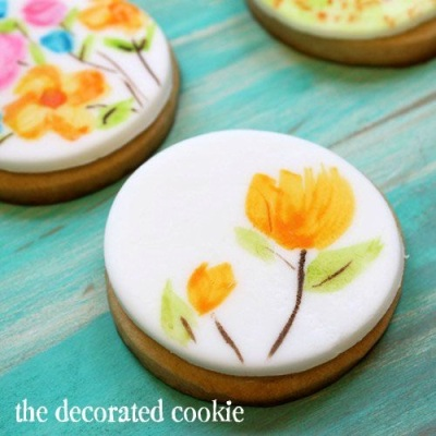 2. Painting Watercolor on Cookies