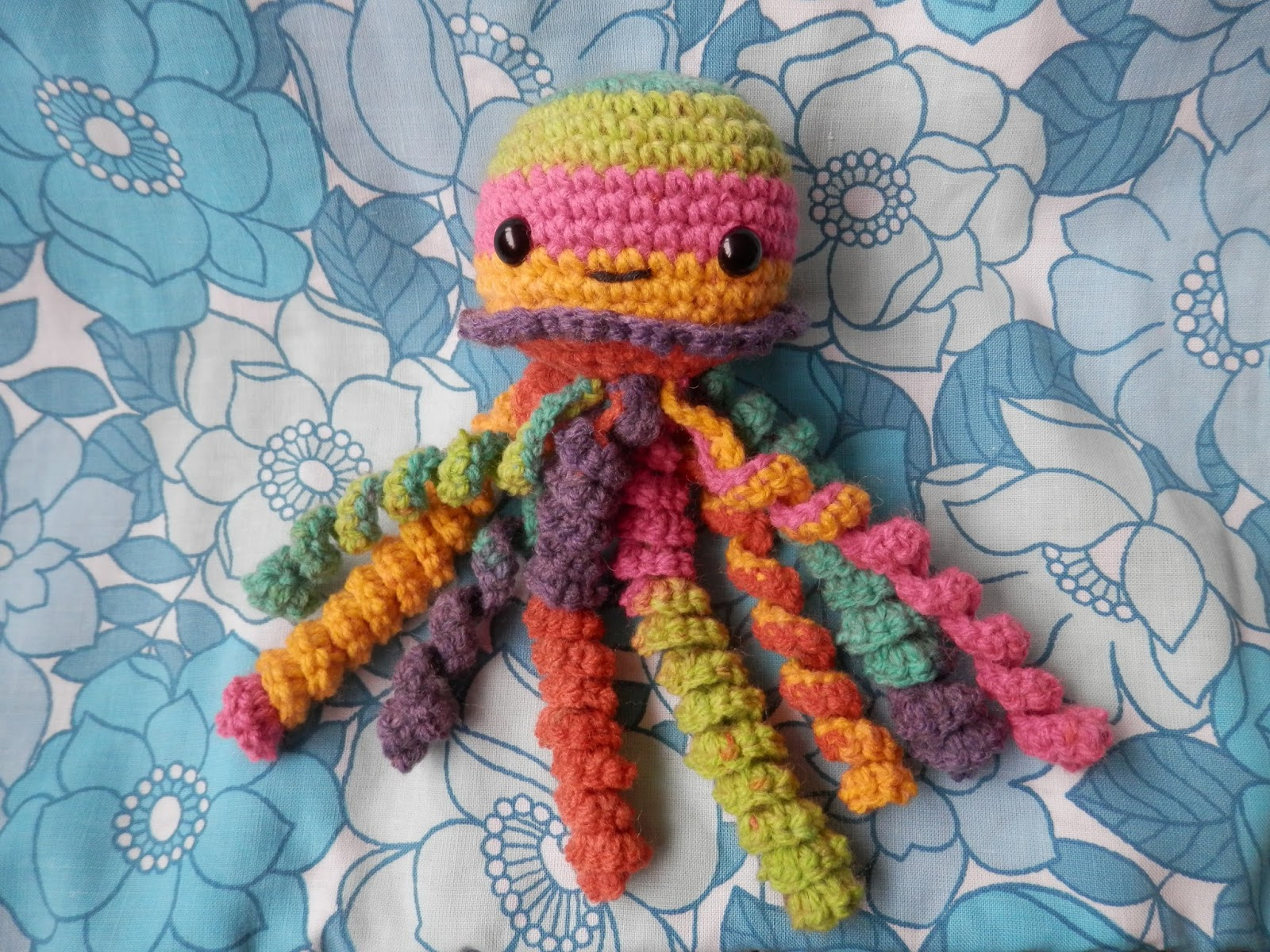 Second Hand Susie: I made a thing, crochet baby jellyfish.
