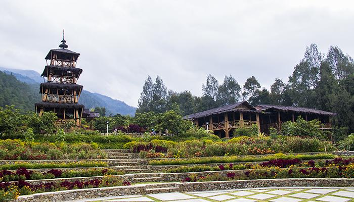 Taman Bunga dan Gardu Pandang di Agrowisata Kopeng Gunungsari