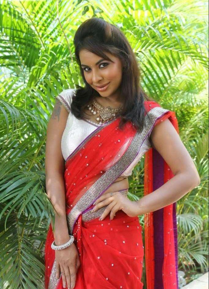 Doodhwali Mallu Aunty Actress Srilekha Sexy Red Saree -4400