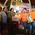 Presiden PKS Serahkan Bantuan Langsung kepada Pengungsi Bali