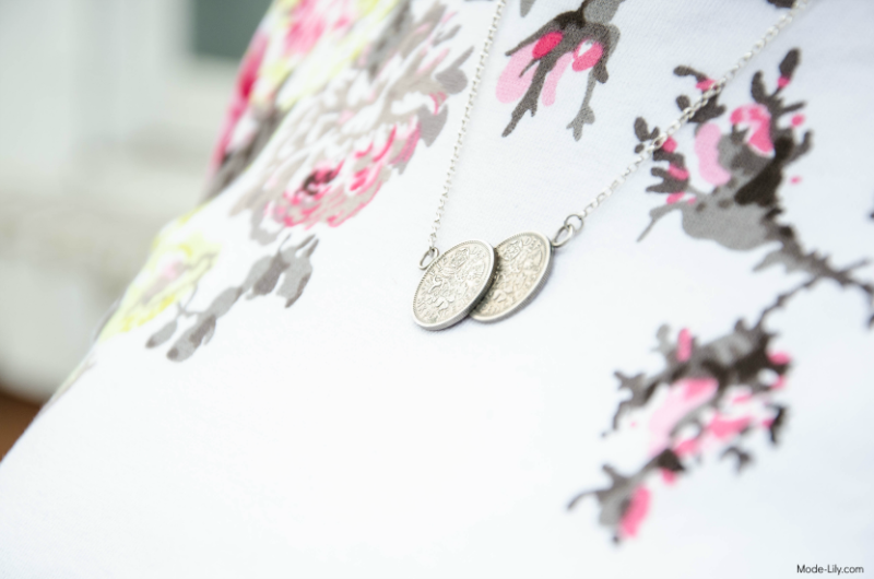 Summer Outfit - Joules Jersey Top | Natural Amber Double Coin Necklace