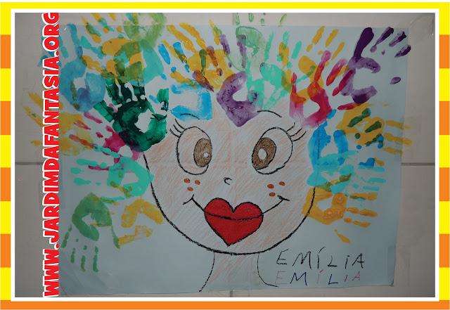Painel Participativo Carimbo de Mãos Boneca Emília