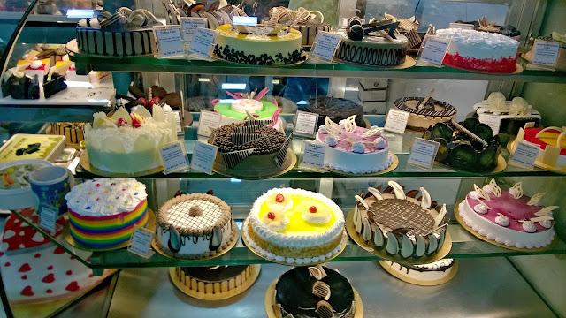 Oasiss Dessert Mumbai Blogger Foodie Vegetarian Cake Pastry Chocolate Recipe