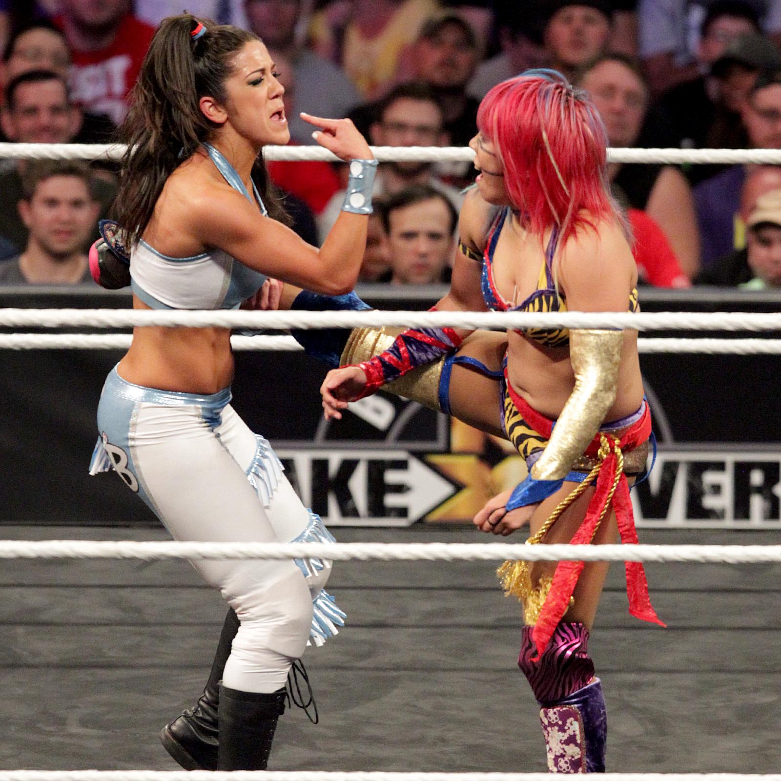Women of WWE — SmackDown 7/24/18: Asuka vs. Billie Kay
