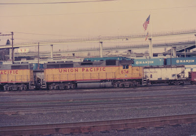 Union Pacific GP40 674