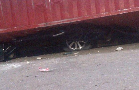 container crushed suv ojuelegba