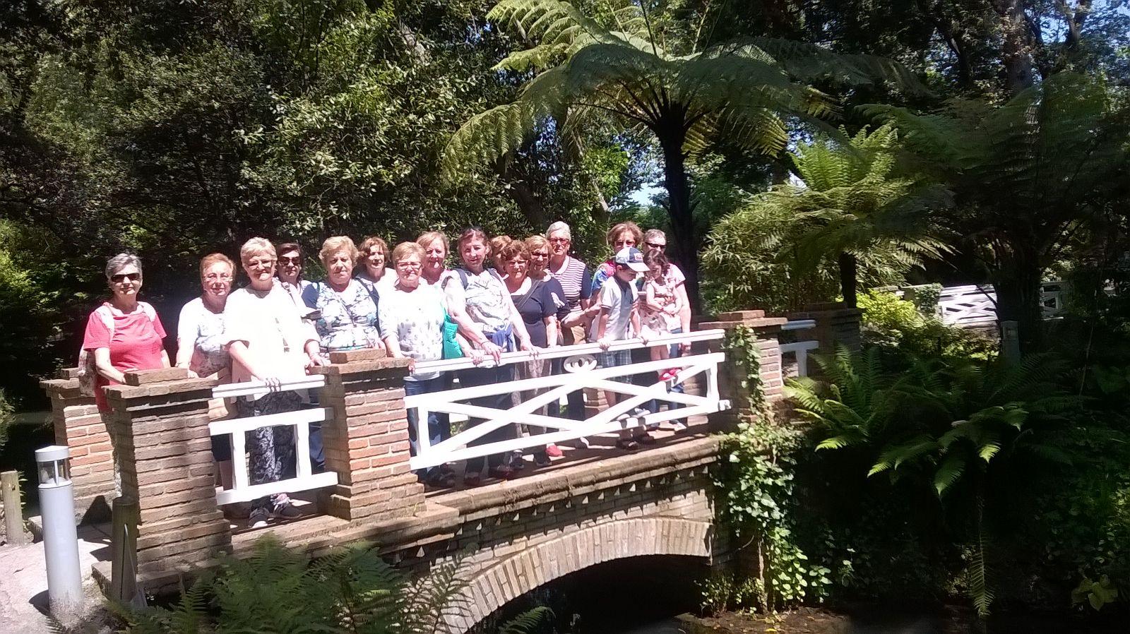 Casa de encuentro de las mujeres de carre o visita al for Como ir al jardin botanico