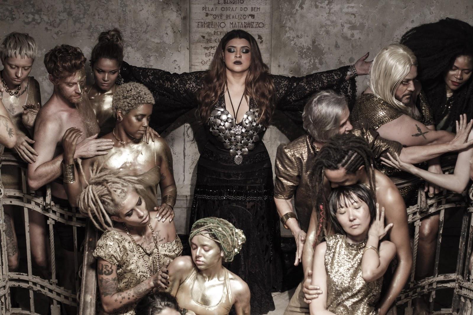 Com Gal Costa, Preta Gil lança clipe manifesto contra homofóbicos e 'haters'
