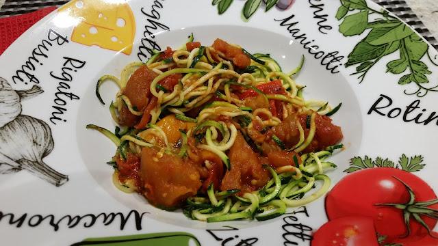 zucchini pasta with sauce