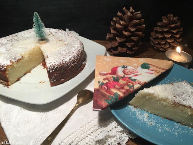 tarta-de-coco-y-porción-en-plato